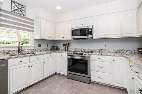 804-Kitchen1.jpg