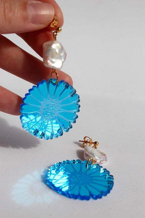 Blue Daisy Pearls