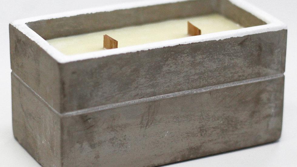 Concrete & Wood Wick Candle - Clove & Dark Sandal