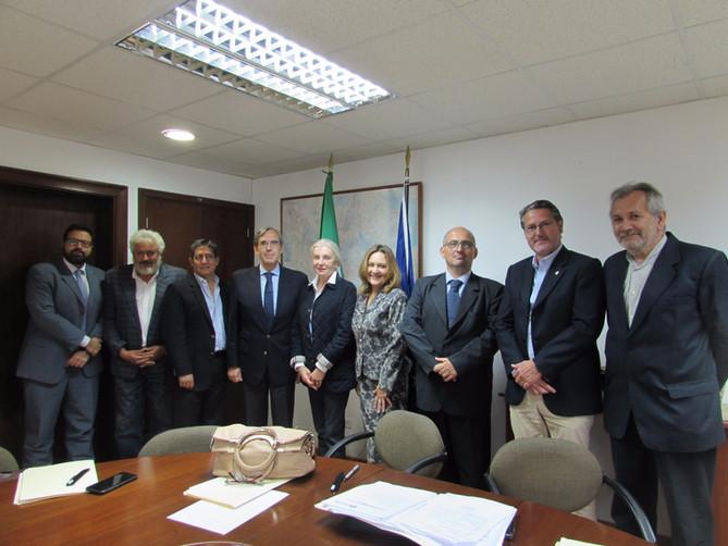 Riunione presso l'Ambasciata Italiana del Perú per salutare il nostro Ambasciatore da sinistra a