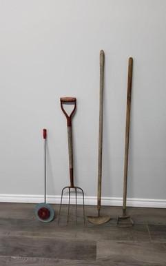 garden tool lot.jpg