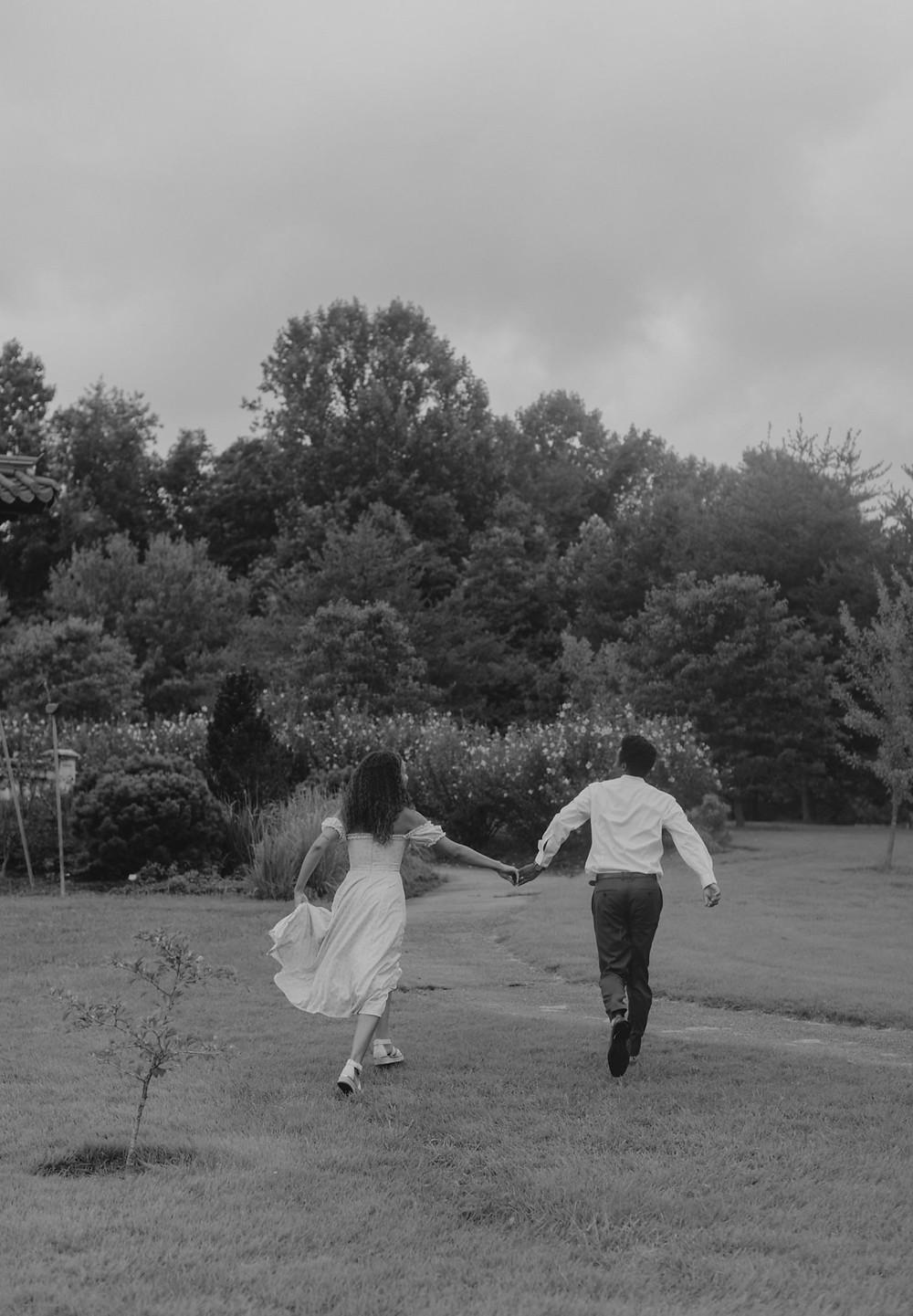 Meadowlark Botanical Garden Engagement session