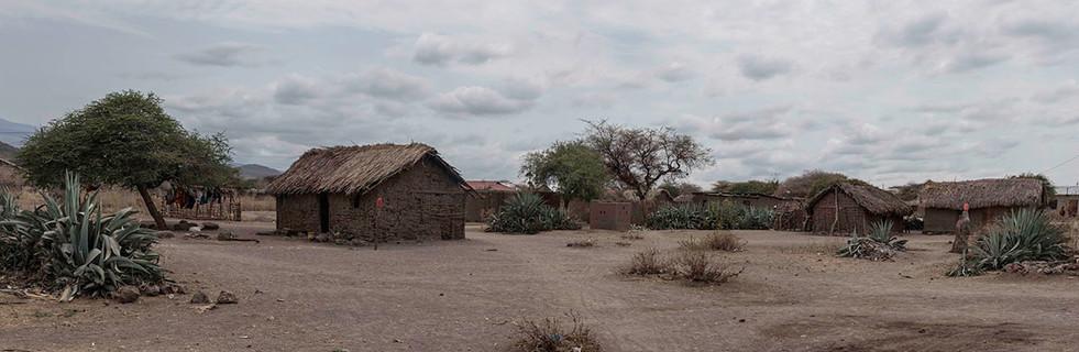 Так выглядит типичная деревня племени датога (скотоводы).