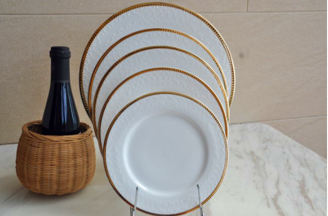 Premium Ivory and Gold Rimmed Dinnerware