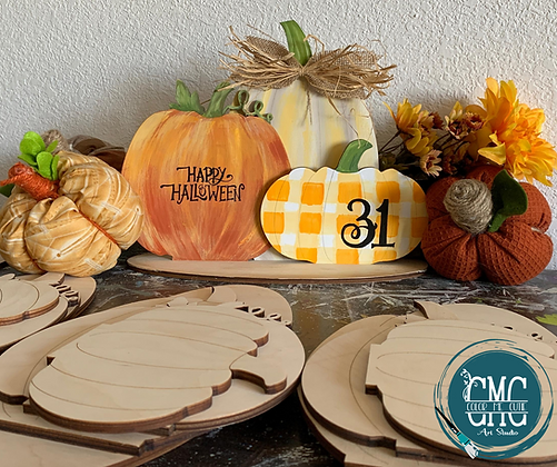 Wooden Pumpkin Trio with Stand Kit
