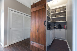 custom closets and pantry