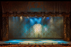 Show Curtain