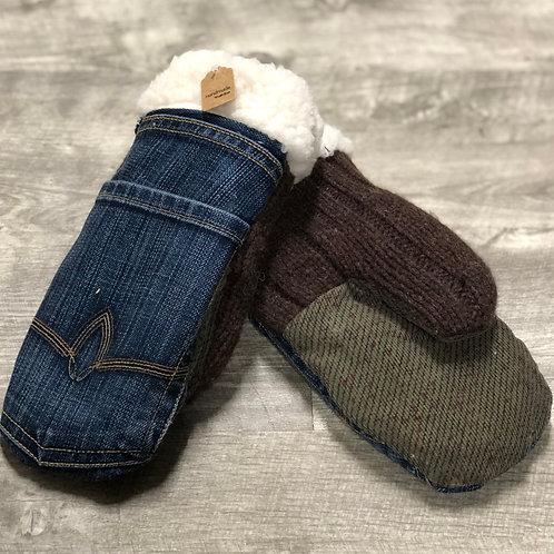 Adult Medium Jean / Sweater Mittens