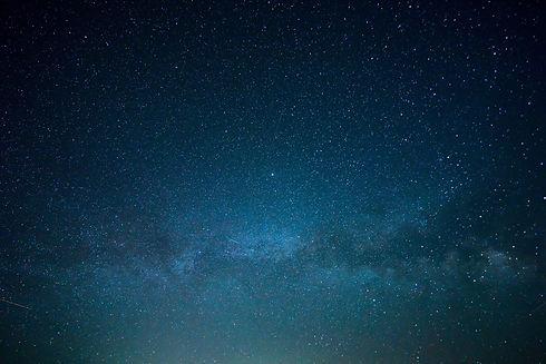 sky-828648_1920.jpg
