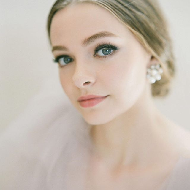Lovinggg this soft and romantic makeup m