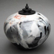 Large_Pot_with_black_lid_2012_images_swa