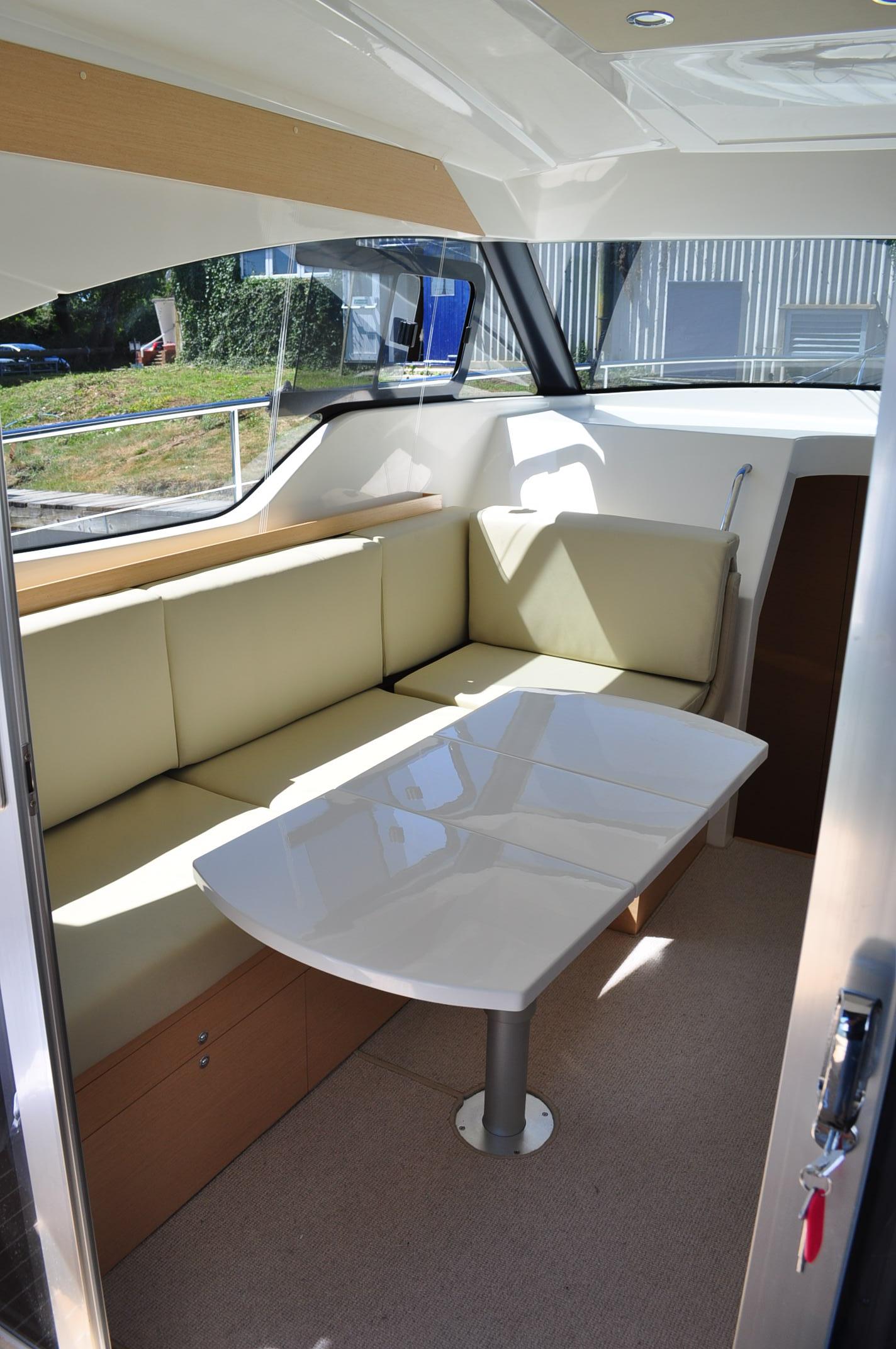 Sprit 31 Inboard (13)