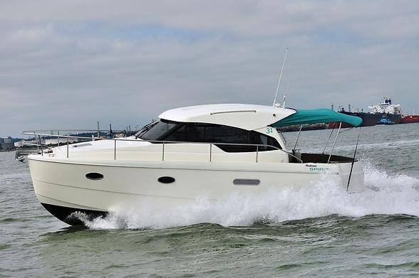 Spirit 31 Inboard (1).JPG