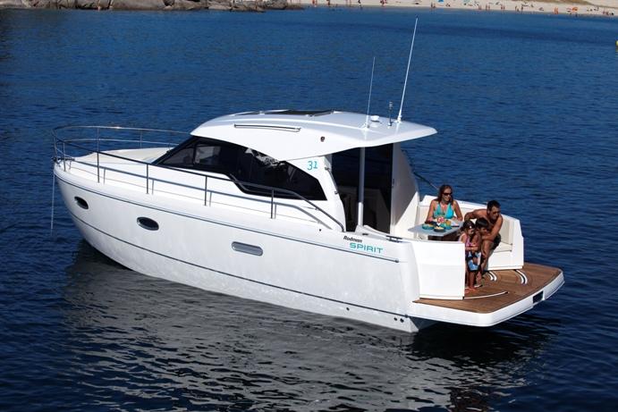 Spirit 31 Inboard (2)