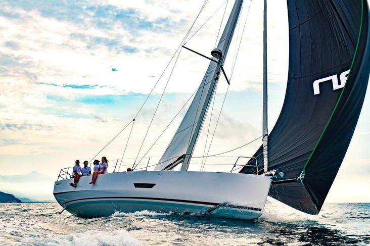 Elan E5 Sailing 2019 - 21.jpg