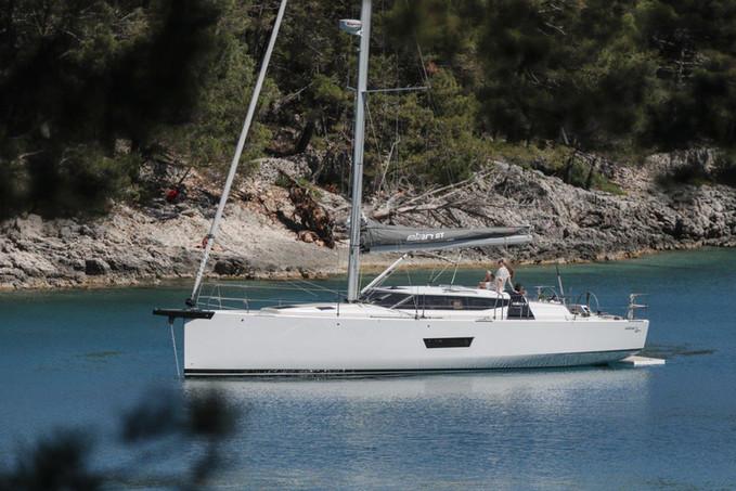 elan-gt-5-luxury-sailing-boat-17.jpg