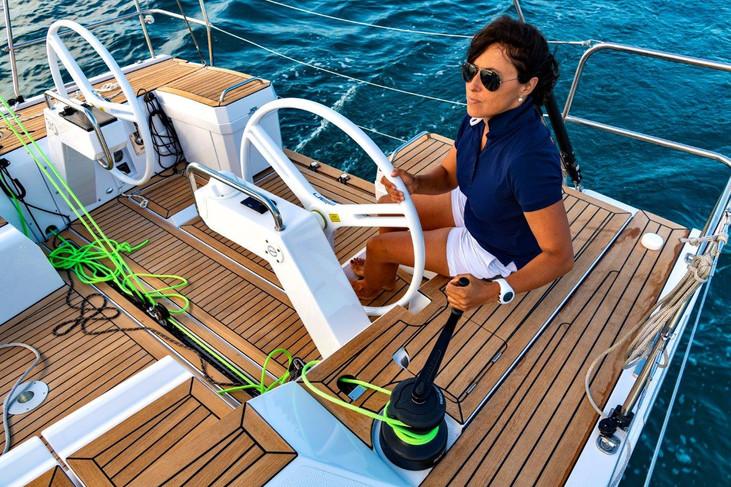 Elan E5 Sailing 2019 - 2.jpg
