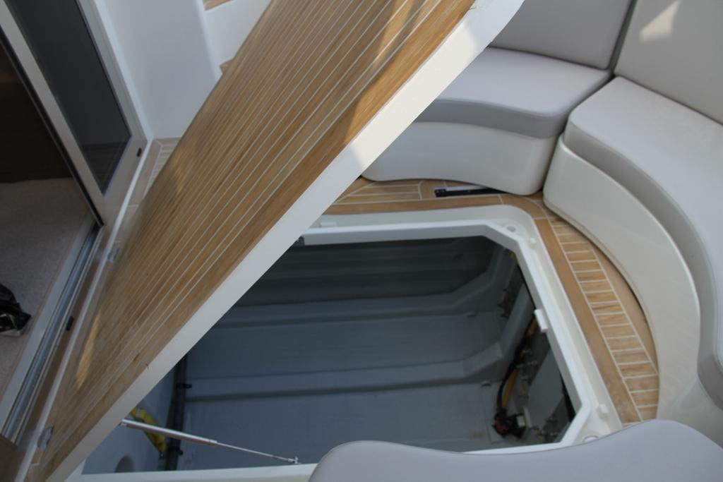 Rodman Spirit 31 Outboard (2