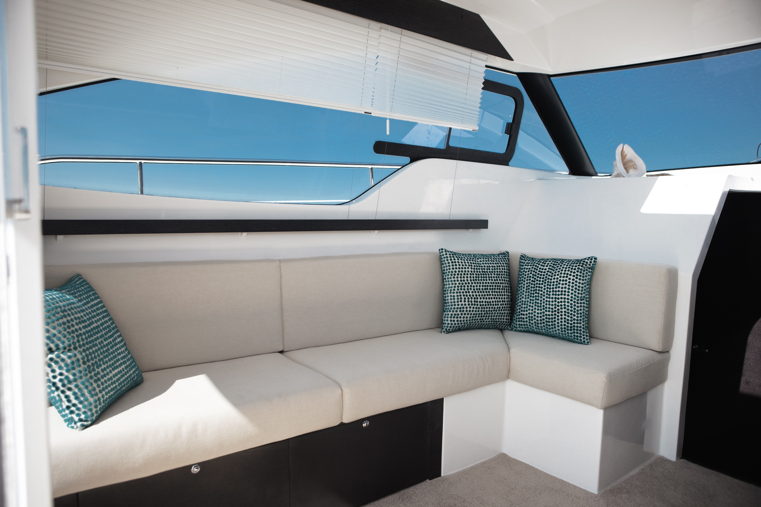 Sprit 31 Inboard (14)