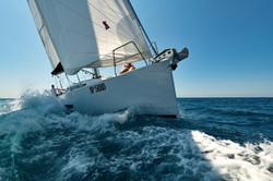 Elan E5 Sailing 2019 - 9