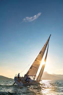 Elan E5 Sailing 2019 - 28