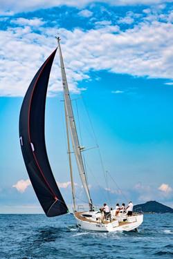 Elan E5 Sailing 2019 - 17