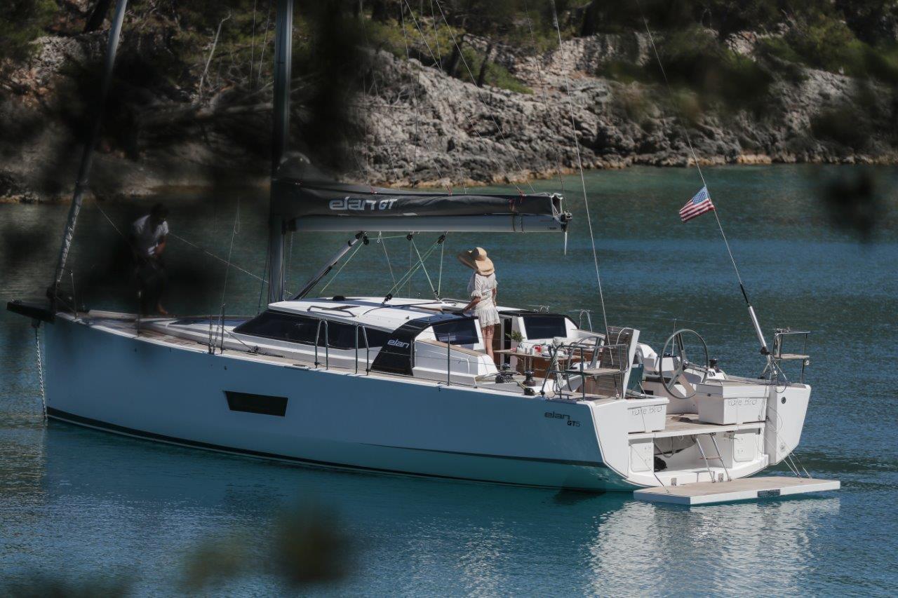 elan-gt-5-luxury-sailing-boat-15