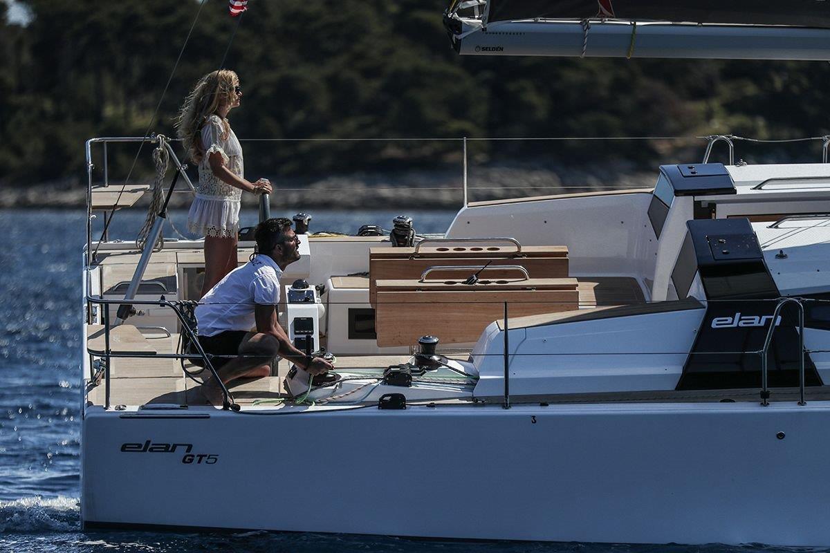 elan-gt-5-luxury-sailing-boat-10