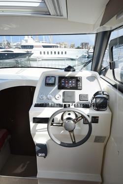 Sprit 31 Inboard (24)