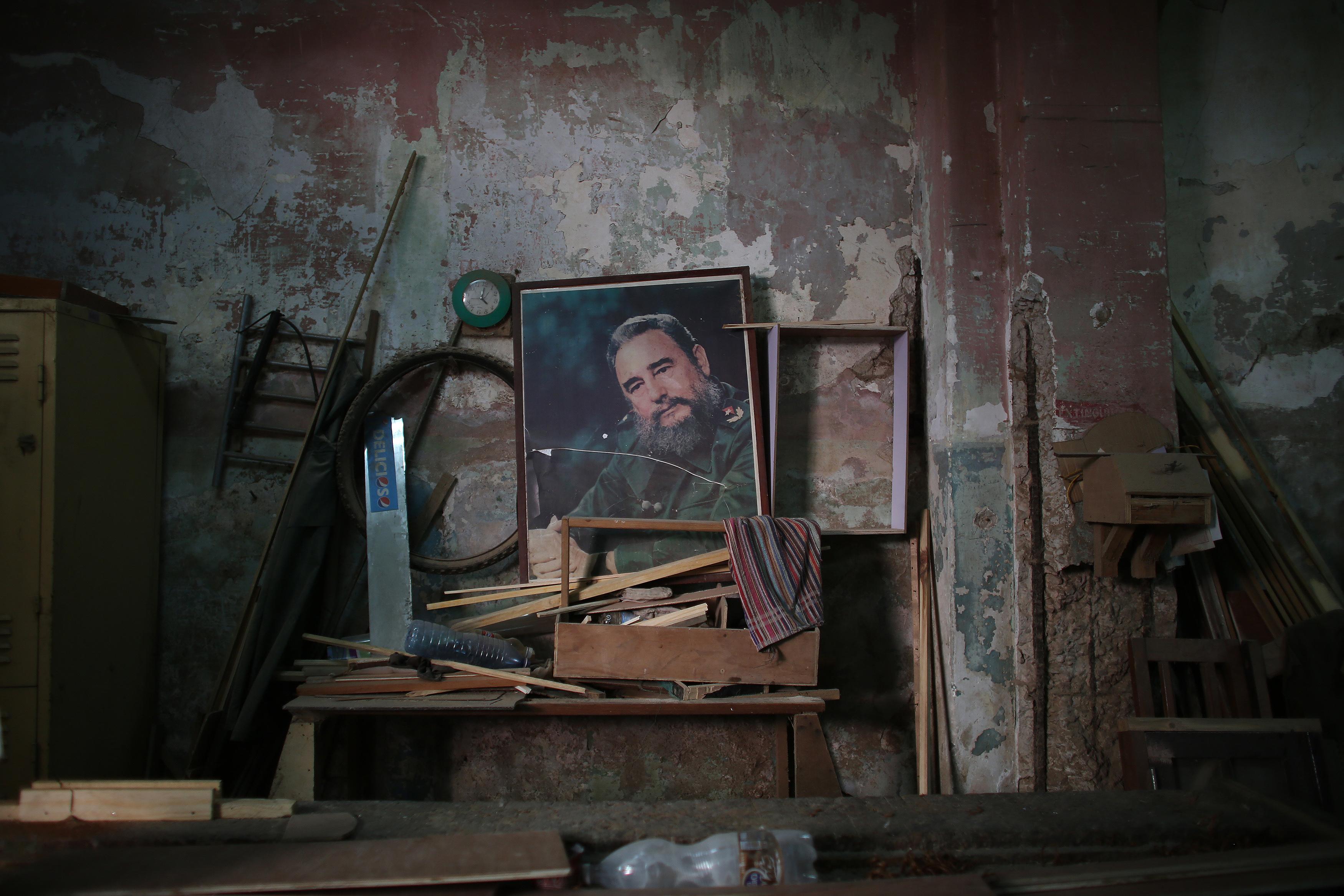 Portraits of Fidel - series