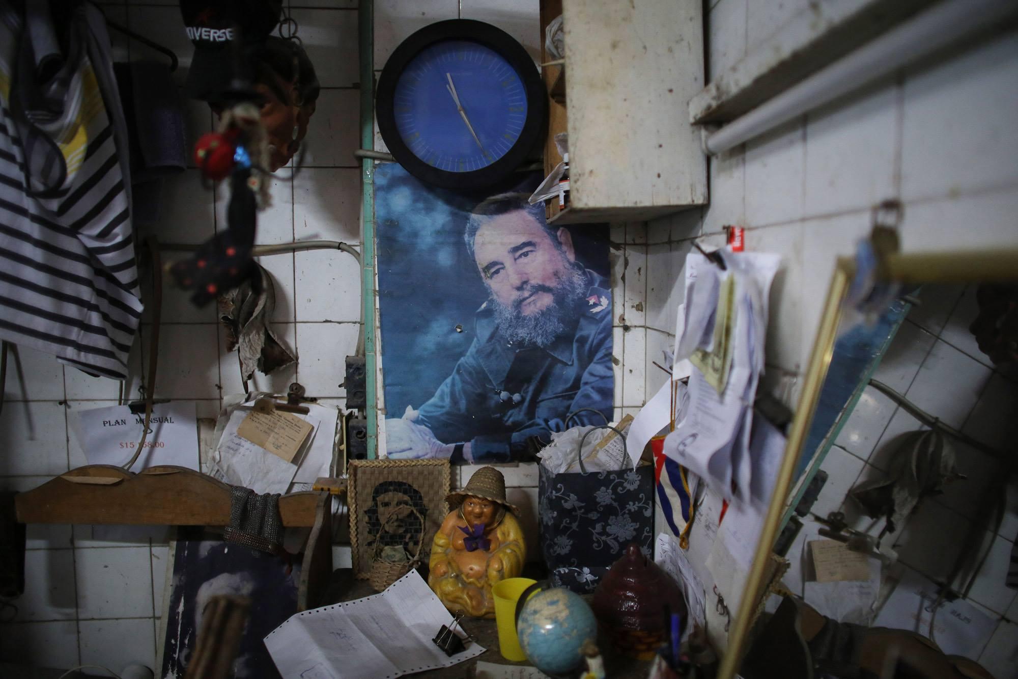 Fidel Castro, a portrait -series