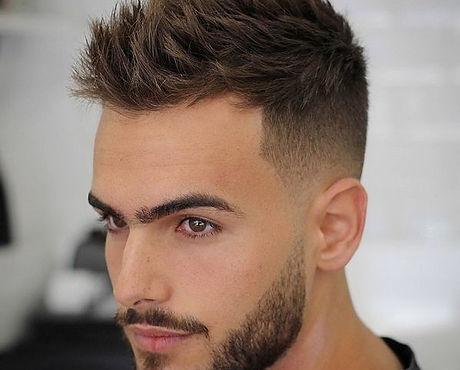 trendige Haarschnitt & Stylings