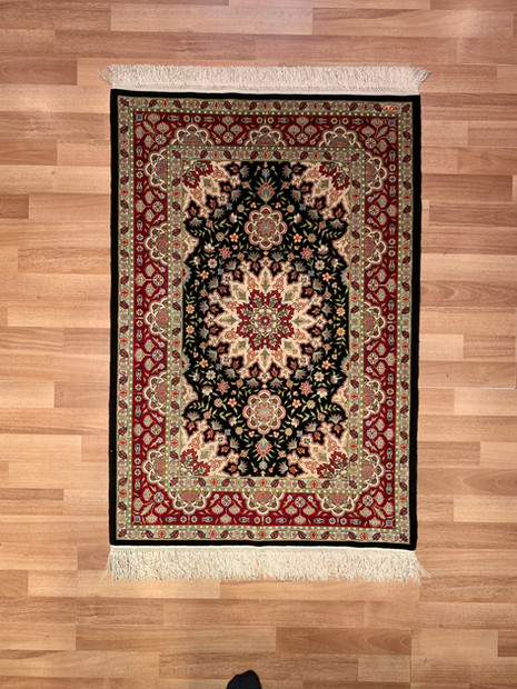 "5 HEREKE SILK 2""by29""(76)Central Madal"
