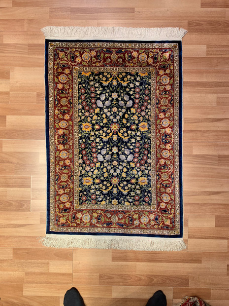 "4 HEREKE SILK 40""BY 28""(40) FLOVERS OF 7"