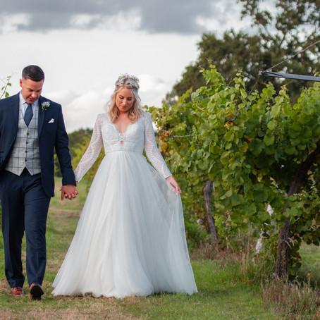 STUNNING SUMMER VINEYARD WEDDING IN HAMPSHIRE