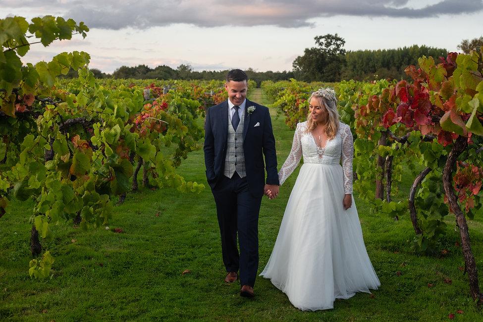 Hampshire-Summer-Vineyard-Wedding (76).j
