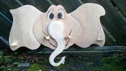 Kindergarderobe aus Holz Elefant