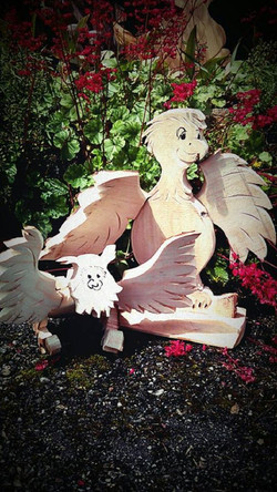 Eule und Papagei aus Holz