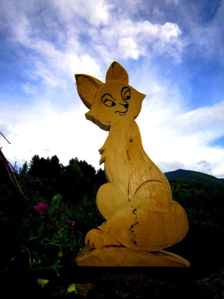 Fuchs weiblich aus Holz