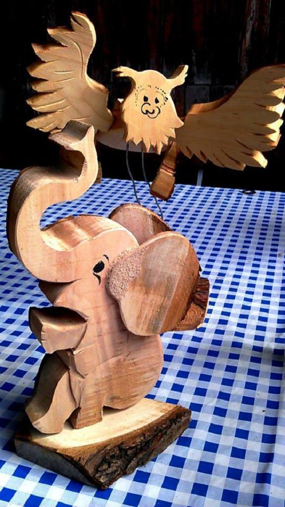 Tierdekoration aus Holz