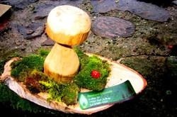 Pilz mit Moos aus Holz