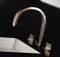 gessi-rettangolo-ceiling-mounted-sink-faucet2
