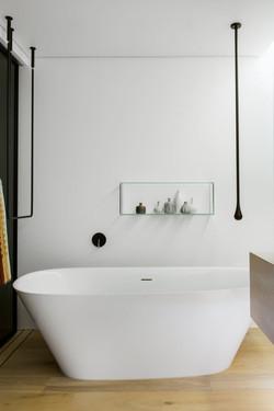 Walsh-Bay-Bathroom-Minosa-8-600x901