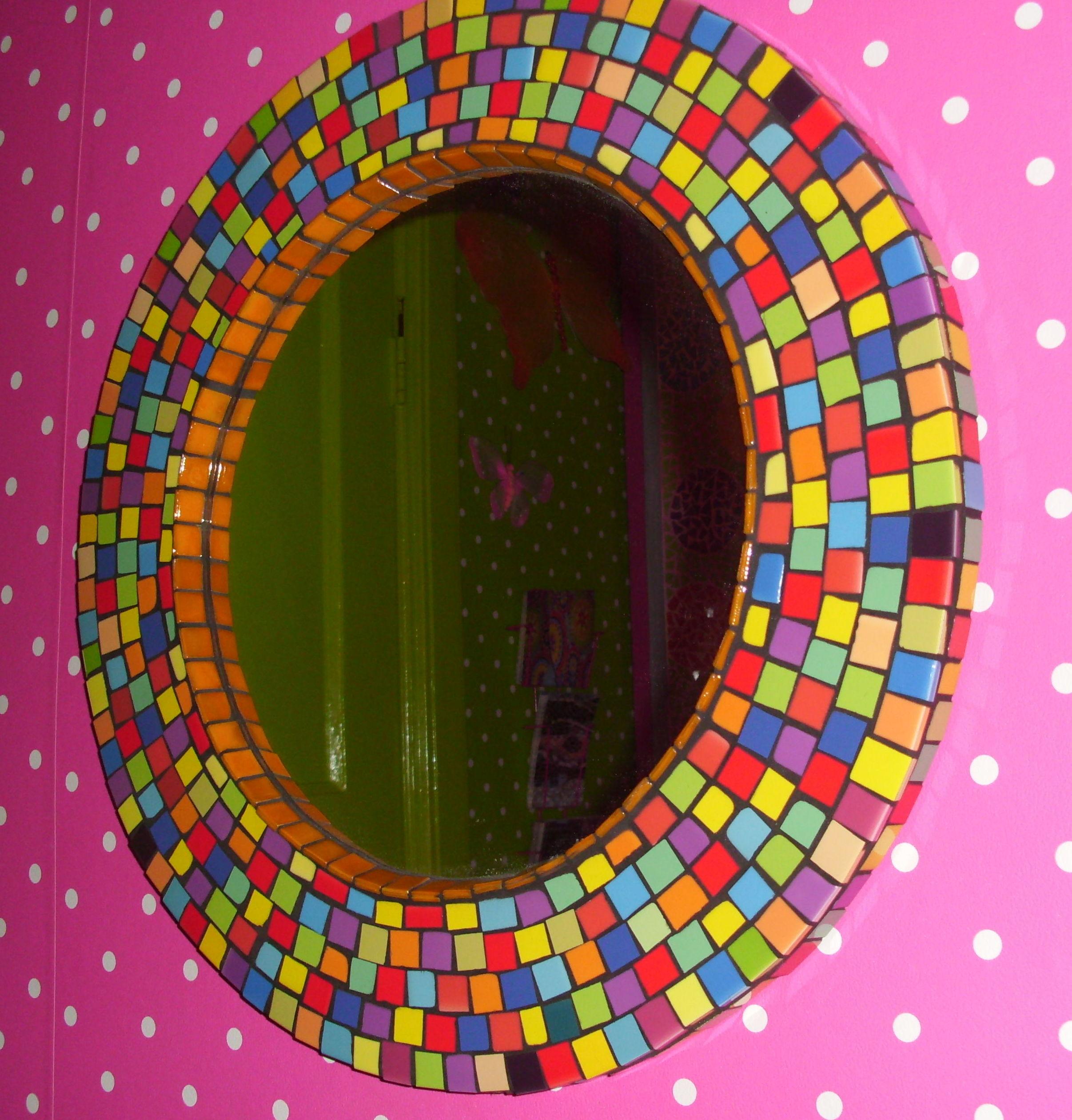 Fel gekleurde spiegel