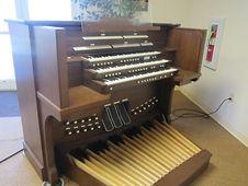 A Rodgers 950A organ