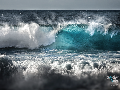 'Turquoise Wave' Greeting Card