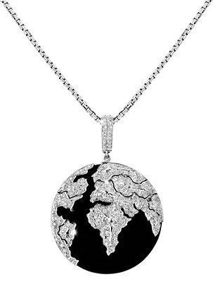 Conqueror Black Globe Pendant