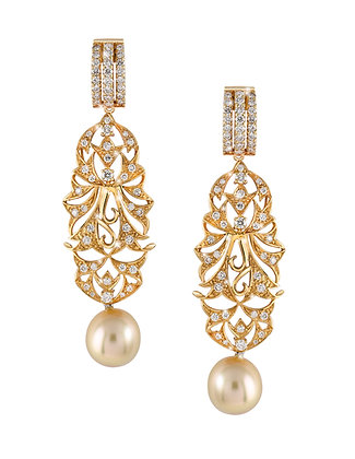 Nyonya Pearl Dangling Earrings