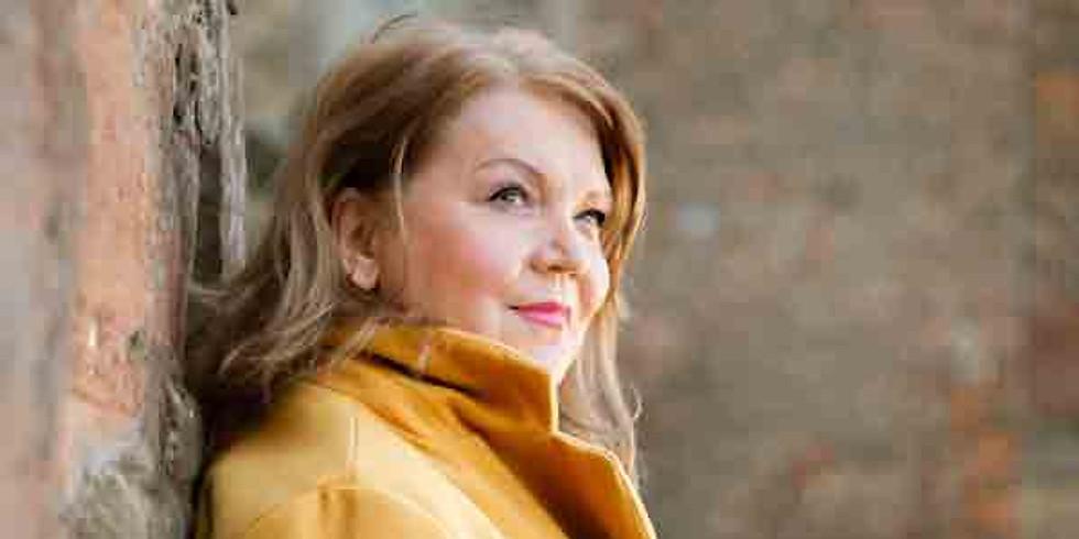 Lesley Smith : an audience with Anne Boleyn