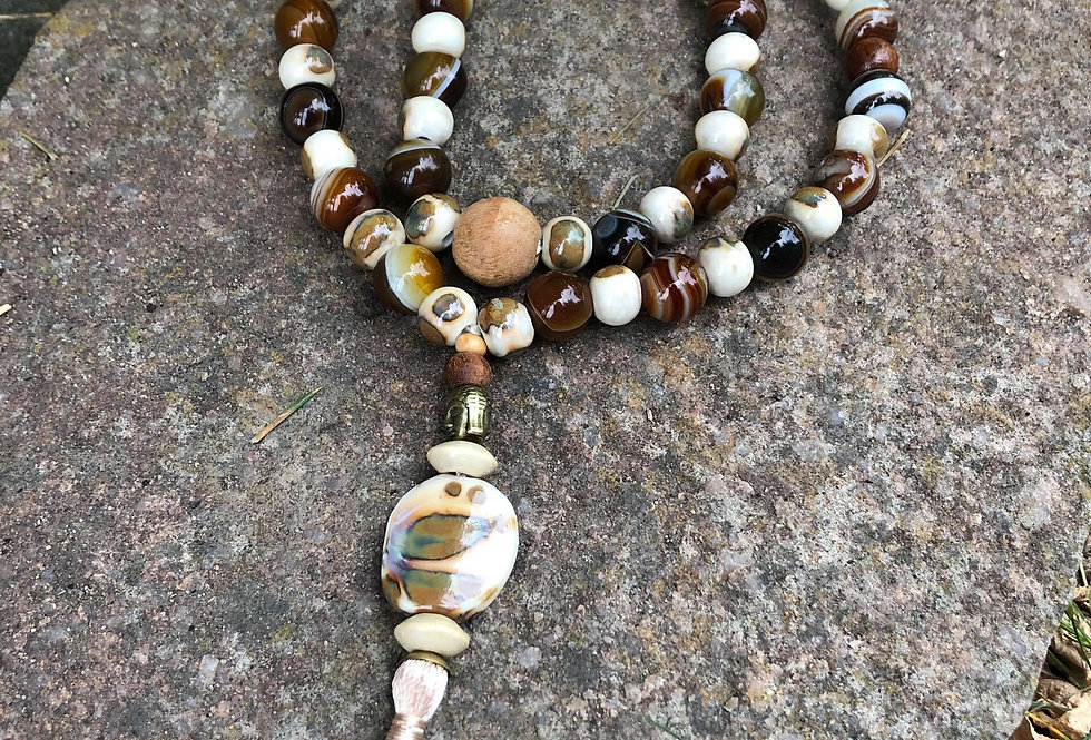 Mala praying beads with Buddha and Honey Agate in Beige